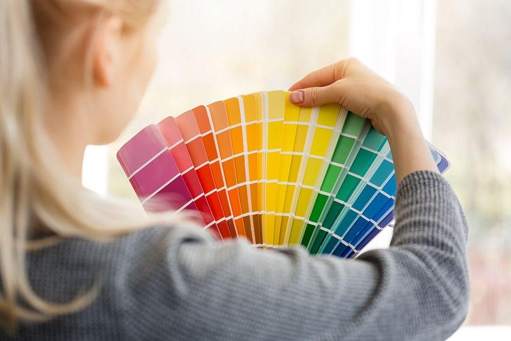 Najsrećnija boja za 2022 godinu_618688670