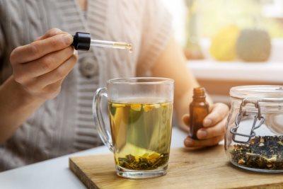 2 biljke koje olakšavaju menopauzu - kap tinkture je dovoljna1818891041