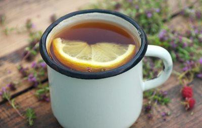 Recept za čaj od lovorovog lista za prehladu i kašalj_463045477